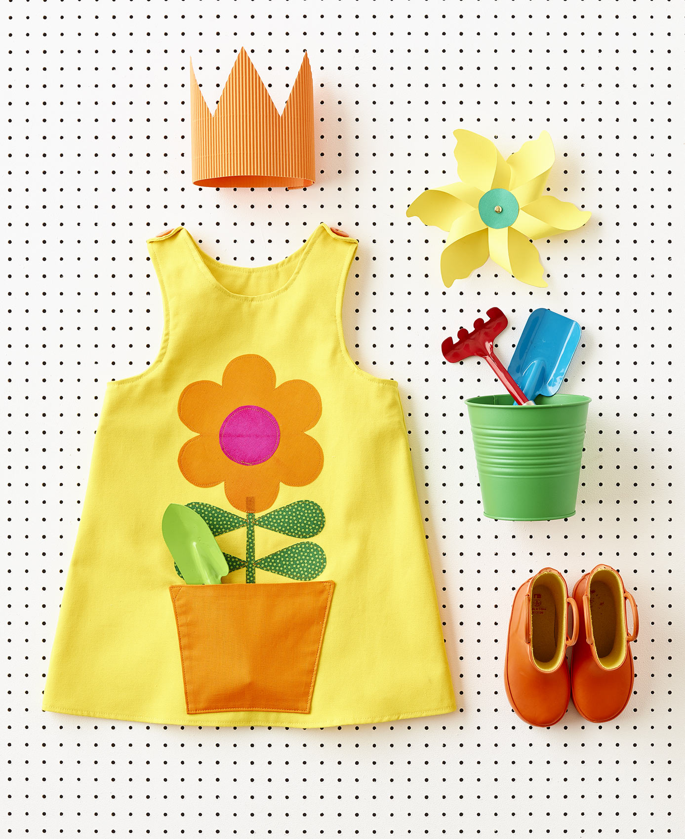 42-studio_flower_pot_dress_still-life-3